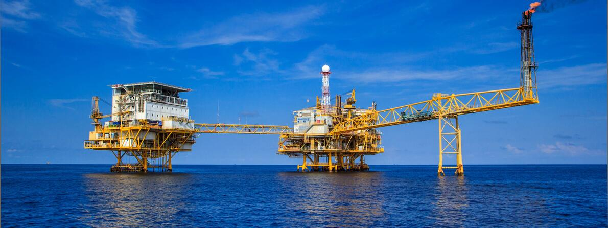 iStock-473698478 oil platform