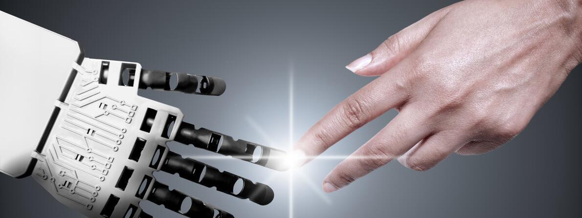 iStock-491279124 robot hand