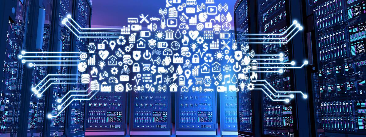 iStock-513118394-Computer-Servers-Panels