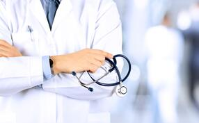 iStock-517051420 doctor