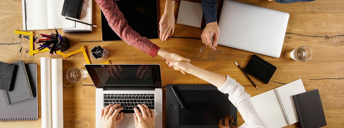 iStock-520544012 handshake