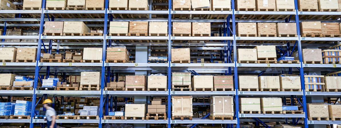 iStock-520705224 warehouse 2