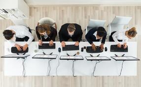 iStock-611174882 service desk