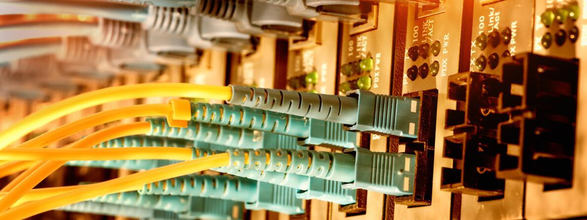 istock plugs in back